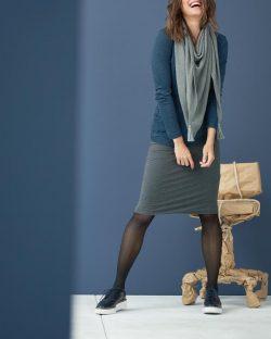 Knelangt blyantskjørt fra Living Crafts - 92 % økologisk bomull » Etiske & økologiske klær » Grønt Skift