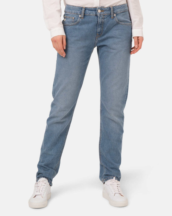 Woman-Vegan-Jeans-Fave-Straight-Heavy-Stone-halfback-02