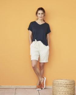 Ava mørkeblå t-skjorte - 100 % økologisk lin » Etiske & økologiske klær » Grønt Skift