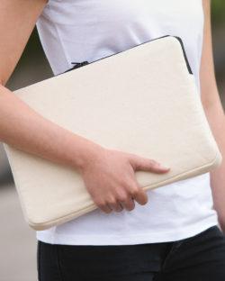 """Naturhvit laptop etui til 13"""" - 100 % økologisk bomull » Etiske & økologiske klær » Grønt Skift"""