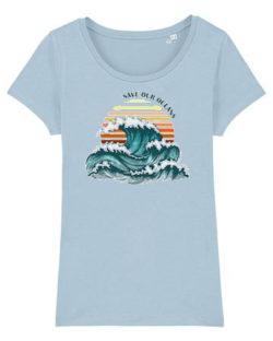 "Lyseblå t-skjorte med ""Save our oceans"" i 100% økologisk bomull » Etiske & økologiske klær » Grønt Skift"