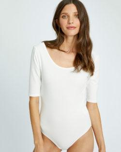 Hvit bodysuit i 95% økologisk bomull og 5% elastan » Etiske & økologiske klær » Grønt Skift