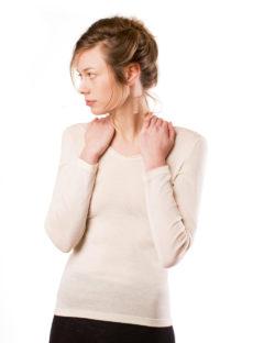 Hvit langermet trøye i 70 % økologisk ull og 30 % silke » Etiske & økologiske klær » Grønt Skift