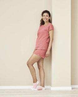 Rødrosa nattshorts og sove t-skjorte - 100 % økologisk bomull » Etiske & økologiske klær » Grønt Skift