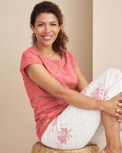 Rødrosa sove t-skjorte - 100 % økologisk bomull » Etiske & økologiske klær » Grønt Skift