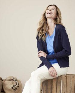 Mørkeblå cardigan med knapper - 100 % økologisk bomull » Etiske & økologiske klær » Grønt Skift