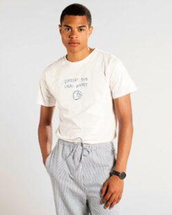 """Naturhvit t-skjorte med """"Support your local planet"""" - 100 % økologisk bomull » Etiske & økologiske klær » Grønt Skift"""