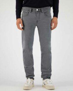 MUD jeans - Regular Dunn - Grå jeans i resirkulert og økologisk bomull » Etiske & økologiske klær » Grønt Skift