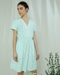 Grønn kjole med blomstermotiv - 100 % Tencel™ Lyocell » Etiske & økologiske klær » Grønt Skift
