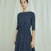 Navy kjole med indisk-inspirert motiv - økologisk bomull » Etiske & økologiske klær » Grønt Skift
