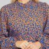 Bluse med leopardmønster i brunt og blått - 100 % tencel » Etiske & økologiske klær » Grønt Skift