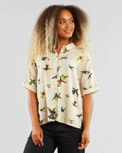 Kortermet skjorte med fugler - 100 % tencel » Etiske & økologiske klær » Grønt Skift