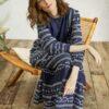 Navy maxikjole med mønster - 100 % økologisk bomull » Etiske & økologiske klær » Grønt Skift