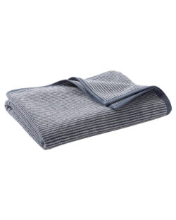 Blått og hvitt stripete badehåndkle i 100 % økologisk bomull » Etiske & økologiske klær » Grønt Skift