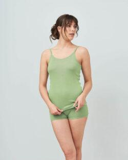 Pistasjgrønn singlet med tynne stropper - 100 % økologisk bomull » Etiske & økologiske klær » Grønt Skift