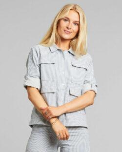 Skjorte med lyseblå og hvite striper - 100 % økologisk bomull » Etiske & økologiske klær » Grønt Skift