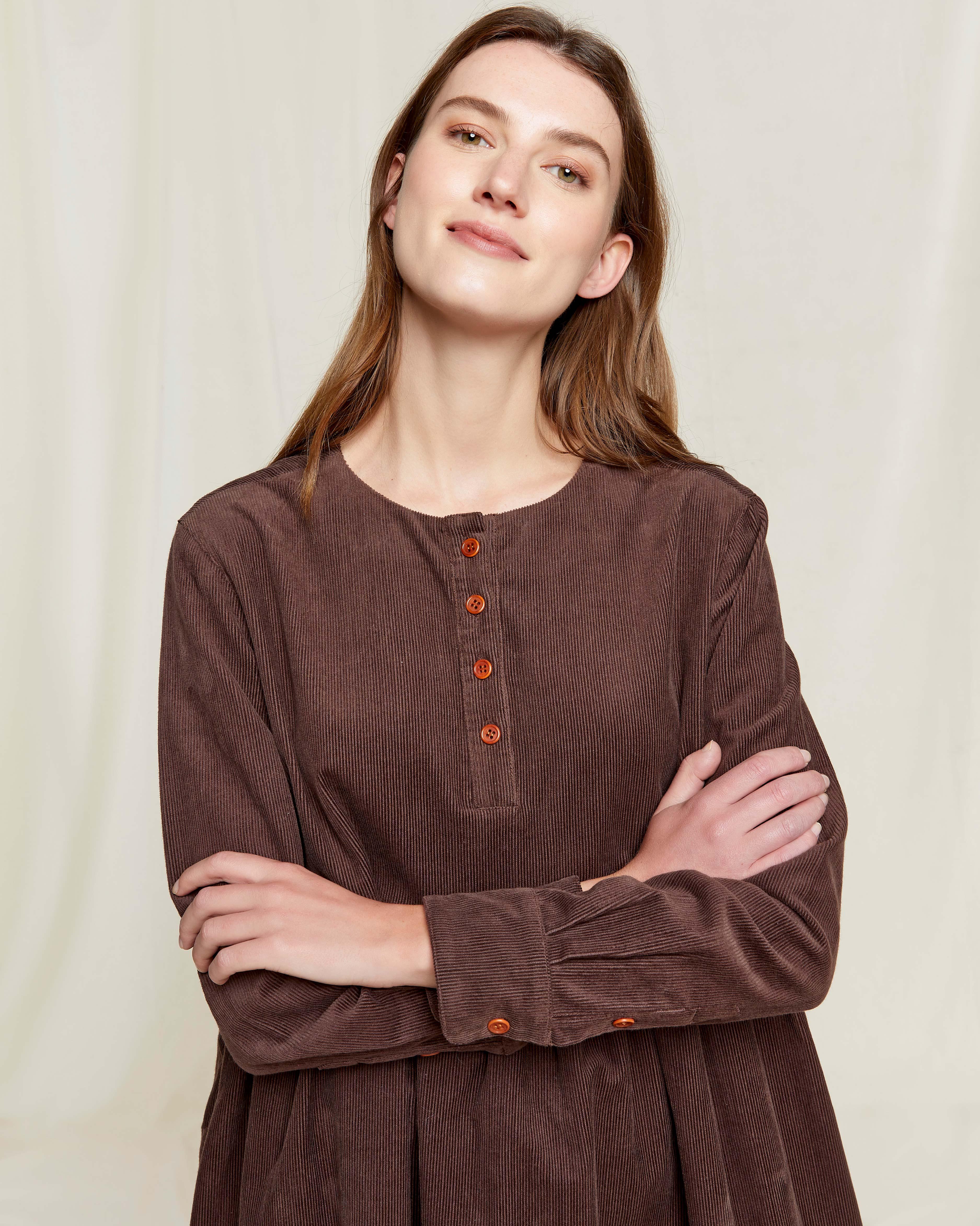 Brun kordfløyel kjole - 100 % økologisk bomull » Etiske & økologiske klær » Grønt Skift