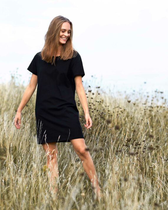 O81020-Ladies-Long-Length-T-shirt_Black